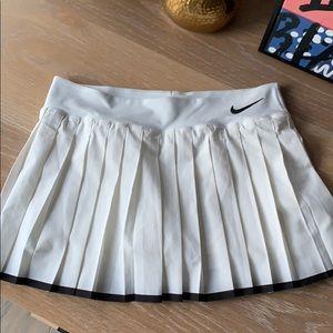 NWOT Nike Dri-Fit Pleated Tennis Skirt *runs SMALL